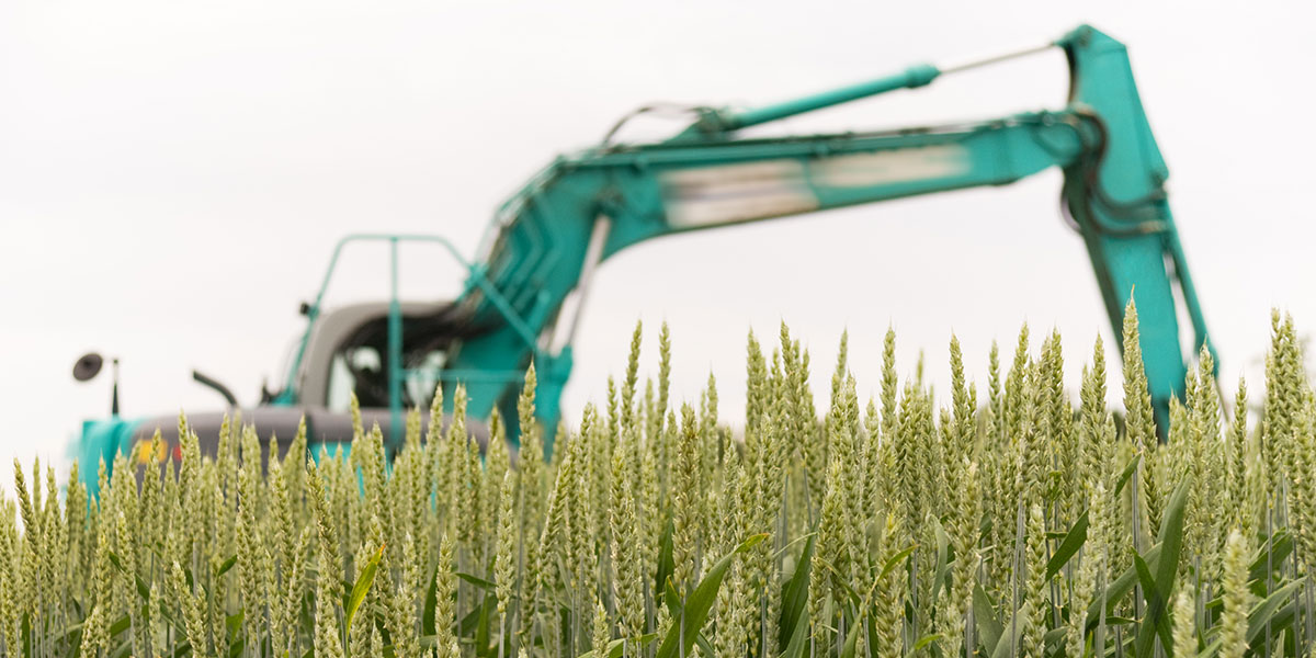 3 Best Excavator Attachments for Maintaining Farmland